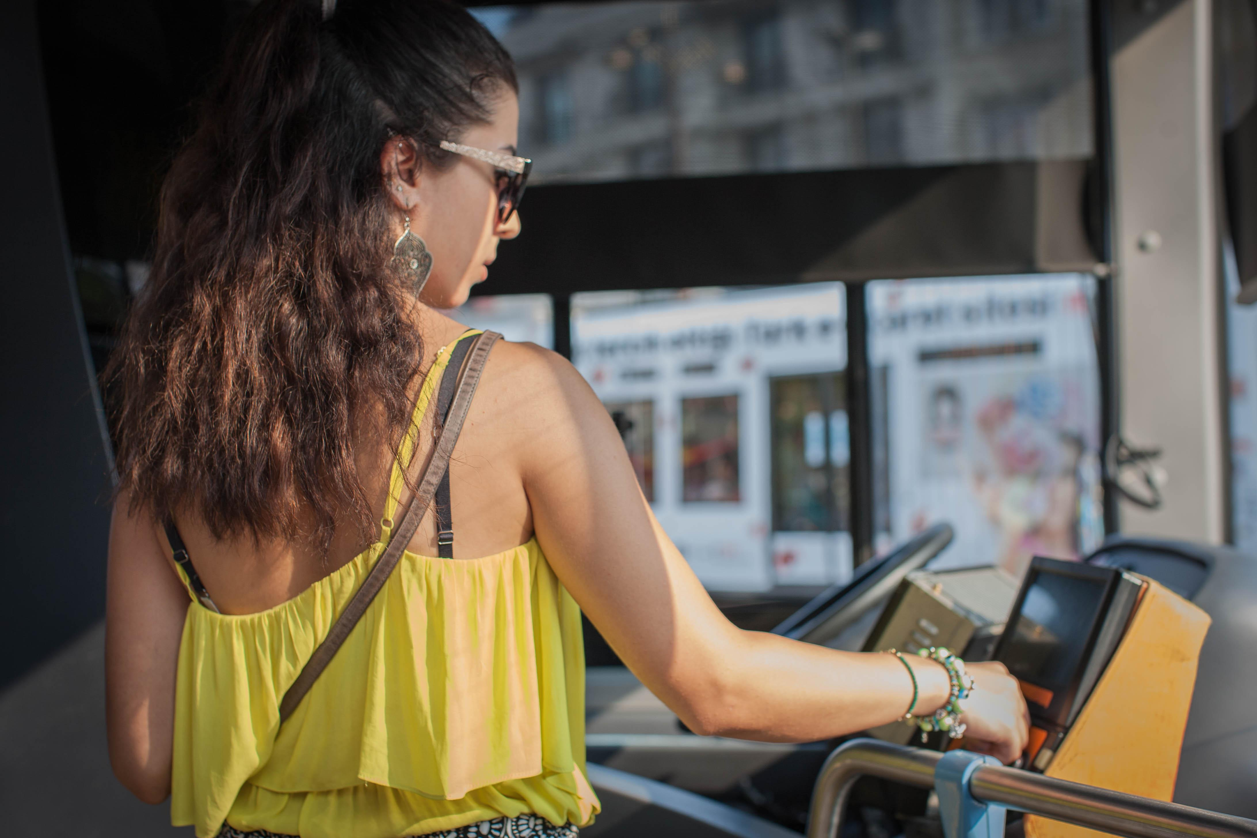 Ataerkil dünya sisteminde kadın yolcu olmak