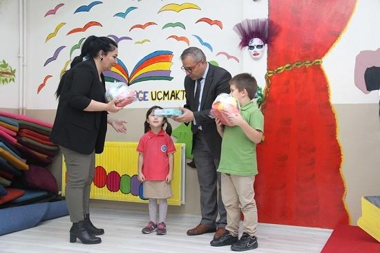 Kartal'da Atık Pil Toplama Yarışması'nda Kazanan Okullara Ödülleri Verildi