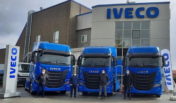 IVECO'dan Yüksel'e 5 Adet S-WAY Çekici Satışı
