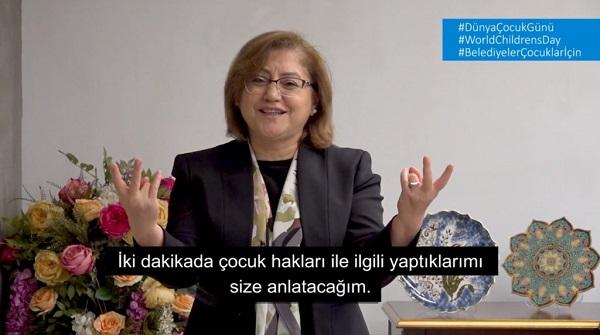 """Belediye Başkanları Dünya Çocuk Hakları Günü'nde """"Belediyeler Çocuklar İçin"""" Diyor"""