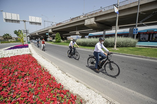 İzmir'de Bisikletli Ulaşıma Destek