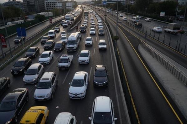Boğaziçi Üniversitesi'nden Trafik Sıkışıklığına Çözüm için Araştırma: Otonom Araçlar Trafiği de Yönetecek