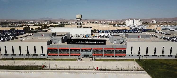 Mercedes-Benz Türk Kamyon AR-GE Ekipleri Global Projelere İmza Atıyor