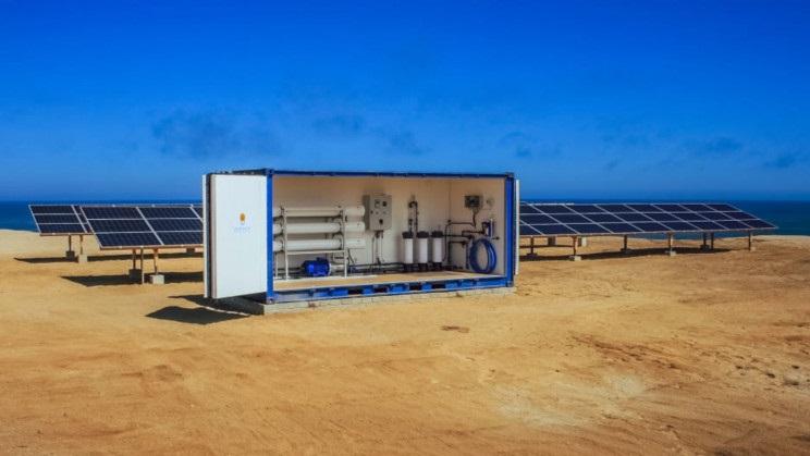 Güneş Enerjili Tuzdan Arındırma Cihazı 400.000 Kenyalıya Su Temin Ediyor