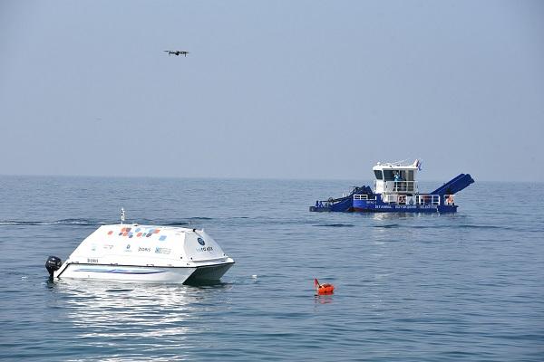 """İnsansız Deniz Temizleme Aracı """"Doris"""" 10 Gün Boyunca Kadıköy Sahillerini Temizleyecek"""